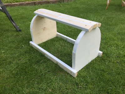 Holzschaf zum Reiten Holzlatten montieren